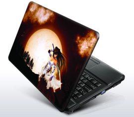 Hold harcosnő laptopmatrica